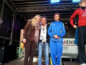 Damen-Mannschaft SG Athletico Büdelsdorf mit von links nach rechts Lena Timm, Silke Nordmann, Margit Bartsch